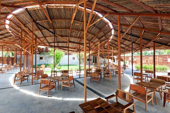Salvaged Ring Café in Nha Trang City